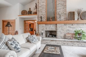 W1166 Hidden Oaks Living Room